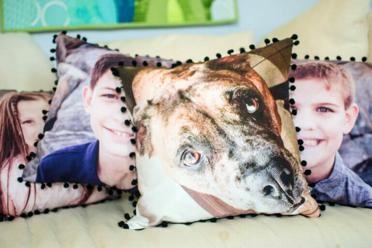 How to Make Your Own Photo Pillows! {free sewing tutorial}