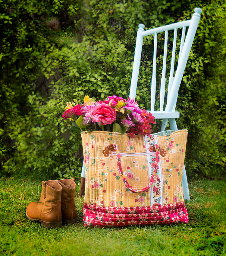 How to sew Ali's Boho Style Market Tote from a free sewing pattern