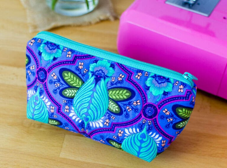 Watch my Free Video Course for Designer Zipper Bags!