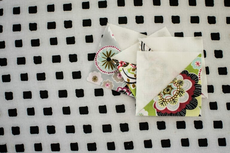 How to Sew HST's – Easy Half Square Triangles