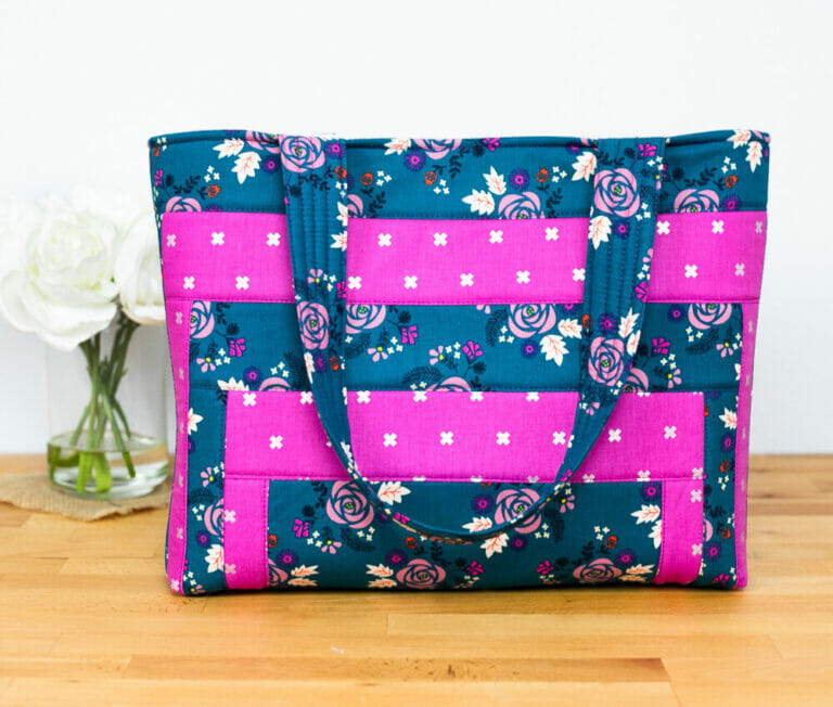 Mod Log Cabin Tote – a Quilt As You Go Bag Project! {free pattern}