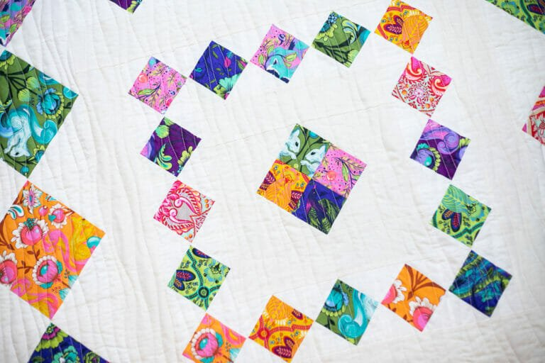 Huddle Quilt – Easy and Free Diamond in a Square Pattern!