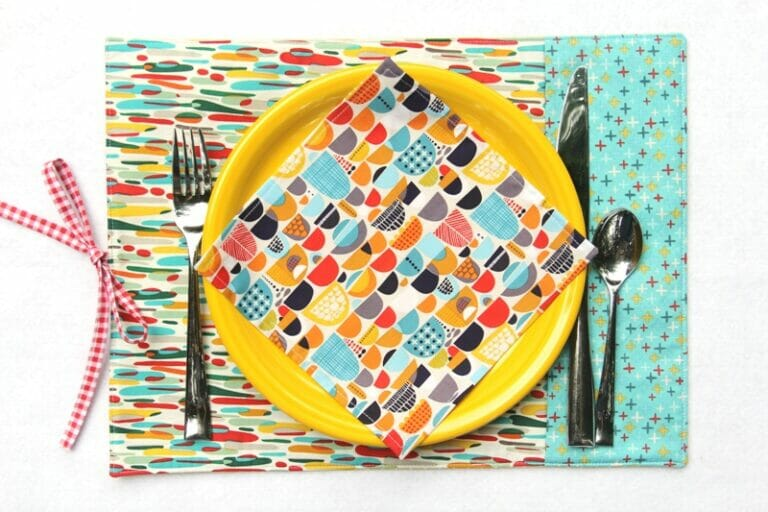 Easy to Sew Re-usable DIY Placemats for Work or Play – a free tutorial