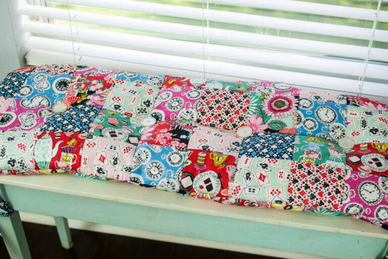 How to Sew a Patchwork Bench Cushion! {free tutorial}