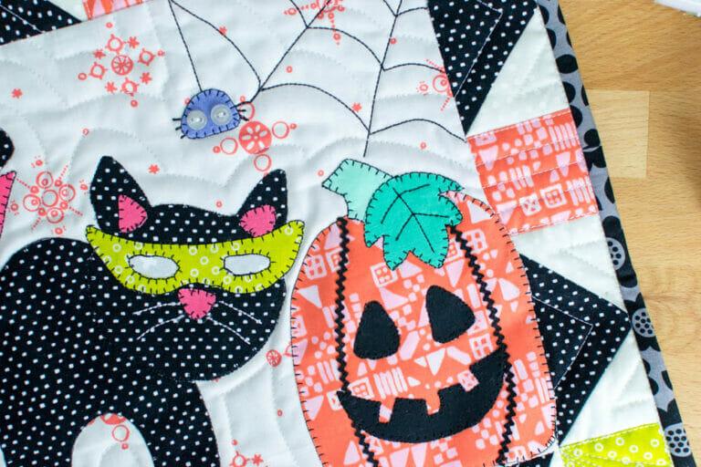 Kitten's Halloween Party – Free Mini Quilt Pattern