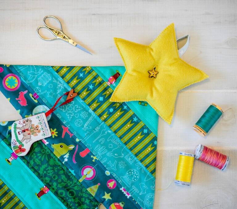 Quilted Christmas Tree Wall Hanging – free sewing pattern!