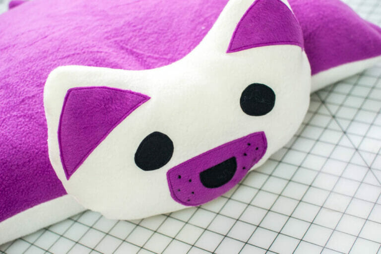 DIY Puppy Pillow {free sewing pattern – for a standard bed pillow}
