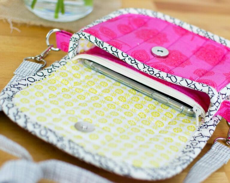 DIY Clutch Bag Pattern {free sewing pattern}