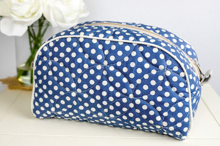 Sew a Clamshell Bag 2 Ways – plain or fancy! Free Sewing pattern