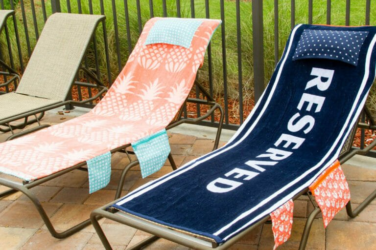 How to Sew Pool Chair Covers… that have lots of pockets and fold into a bag!