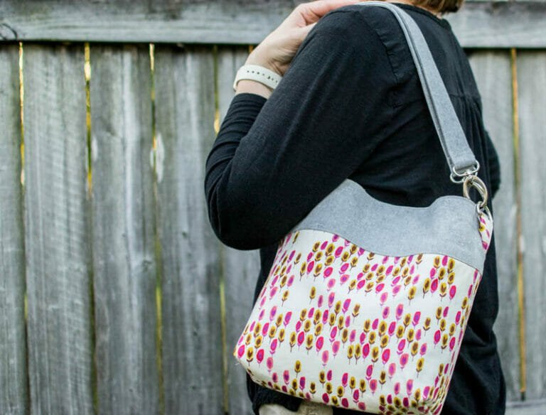 How to Sew a Convertible Cross Body Tote – Fat Quarter Friendly
