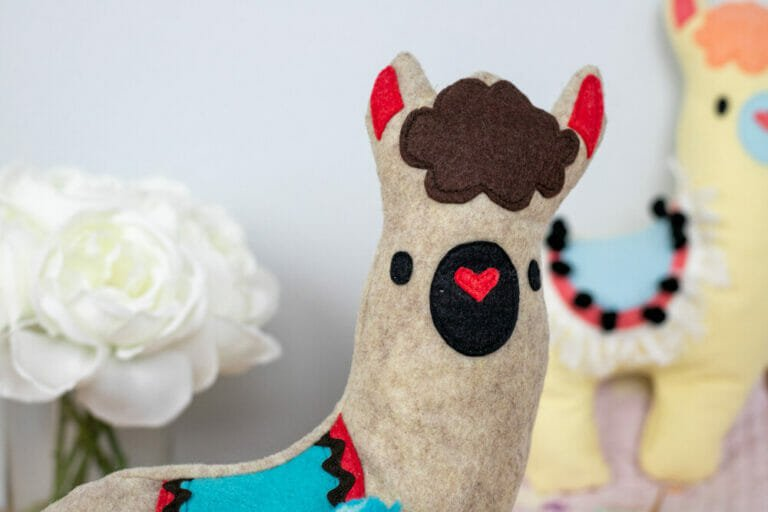 How to Sew a Cute Llama Stuffie – free sewing pattern
