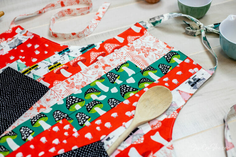 Mile-a-Minute Jelly Roll Apron! free sewing pattern