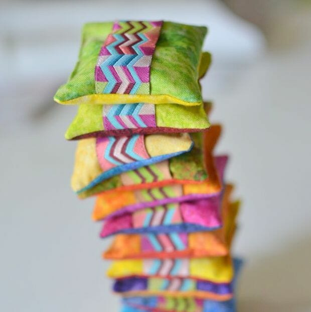 How to Use Pattern Weights – Plus a Tutorial for Sewing Your Own with Scraps