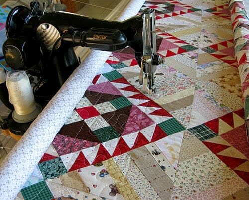 Check out this Vintage Singer on a Quilting Frame!
