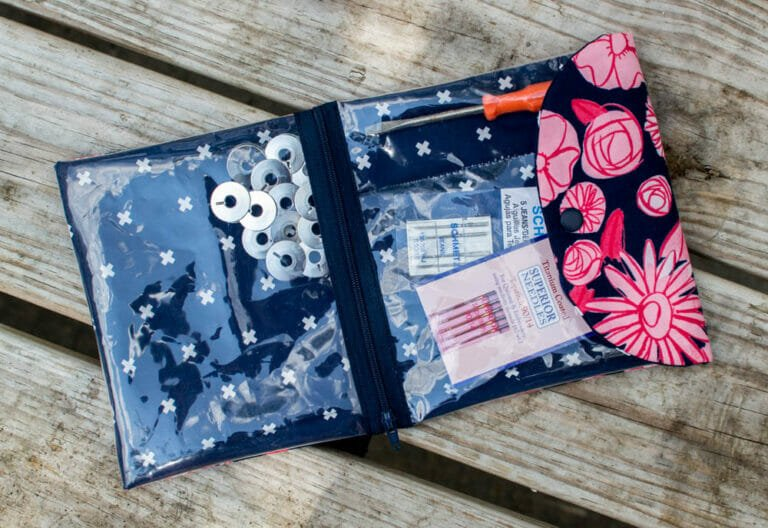 The Peek-a-Boo Pouch {free sewing pattern}
