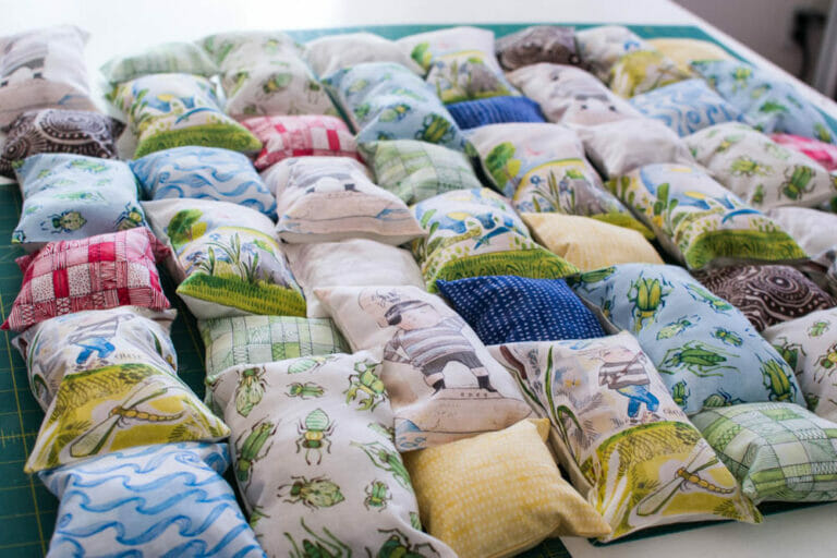 How to Sew a Puff Quilt {free tutorial}
