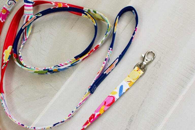 Sew a Narrow Scrappy Dog Leash – and matching Cage Comforter! {easy sewing tutorial}